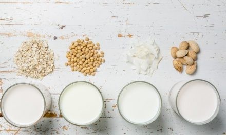 Keto Milk: 9 Low Carb Milk Options for Keto